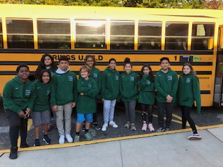 Junior High Students Volunteer to be Bus Monitors