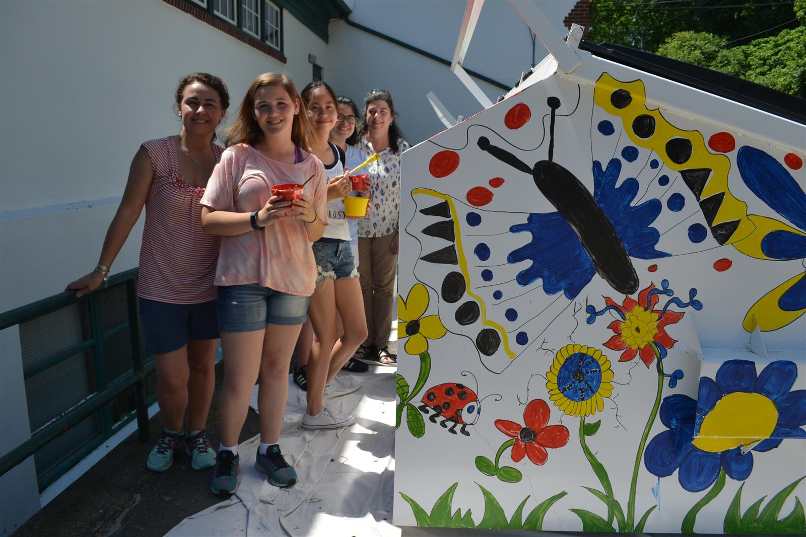 Art Club Paints Dumpsters for Mickey's Carting Company